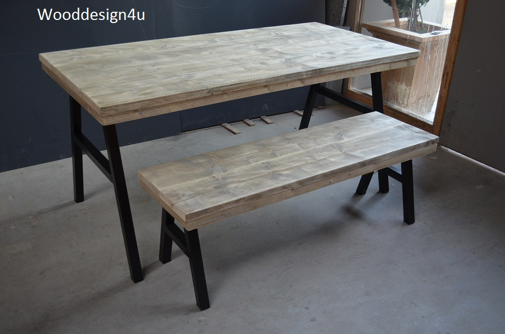 Industriele Sloophout Tafel.Industriele Tafel En Bankje Wooddesign4u Is Gespecialiseerd In