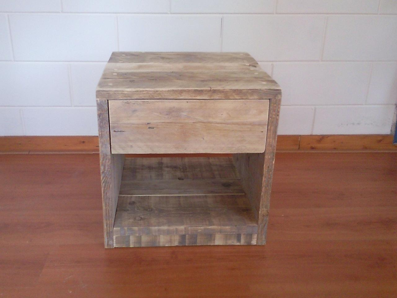 nachtkastje met lade - Wooddesign4u is gespecialiseerd in ...