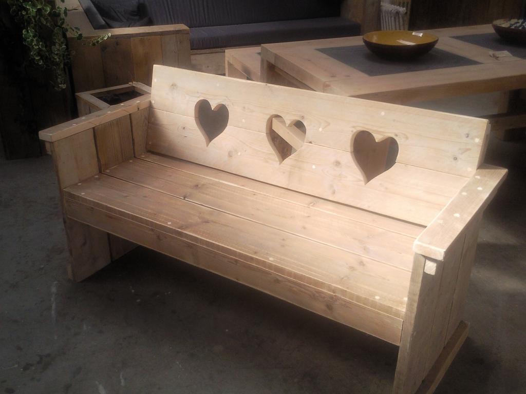 Bank met hartjes - Wooddesign4u is gespecialiseerd in steigerhouten ...